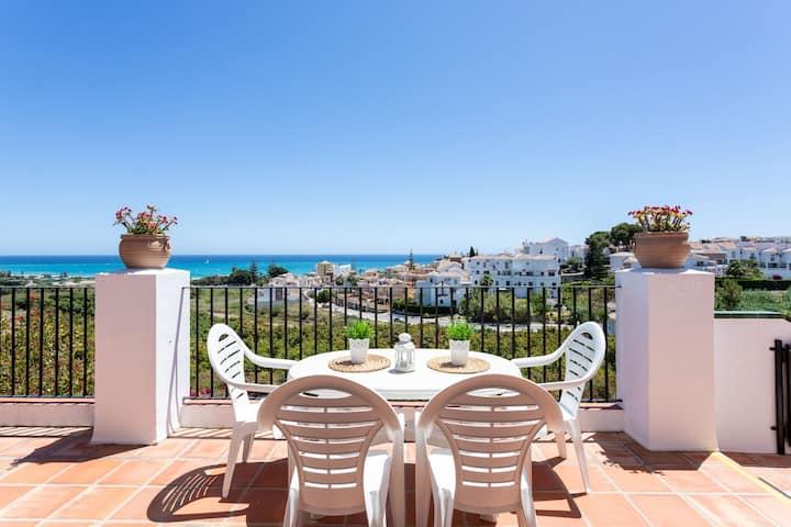 Lovely villa w/ private pool, terraces & sea/mountain views - walk to beach!