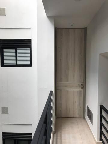 Apartamento moderno con ambiente tranquilo