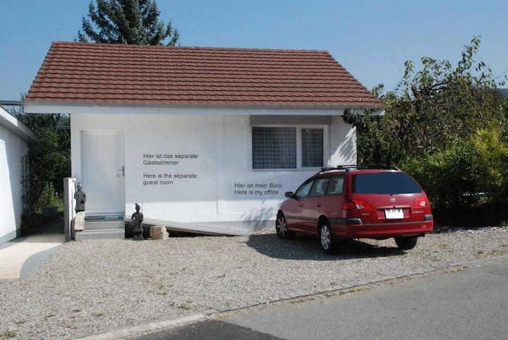 Gemütl. Gästezimmer mit Dusche/WC in Veltheim AG