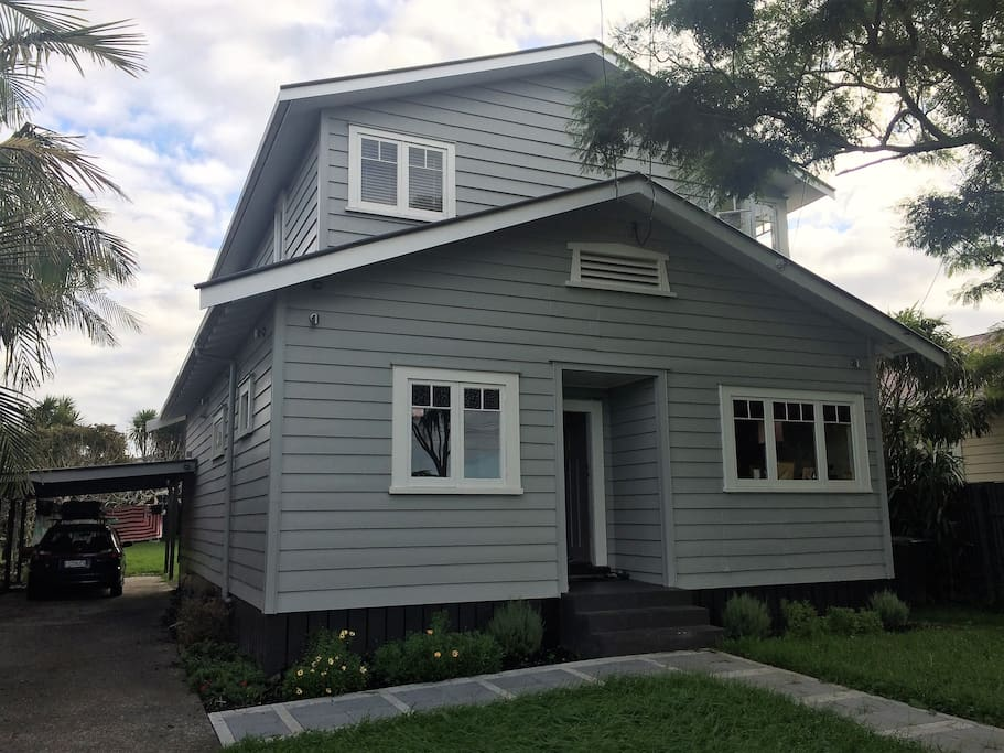 Fully renovated 1920s Bungalow