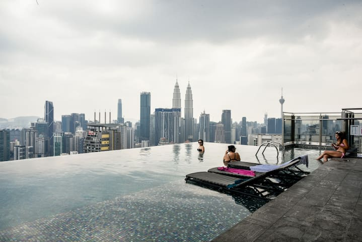 Expressionz-3 beds-Netflix-KLCC view infinity pool