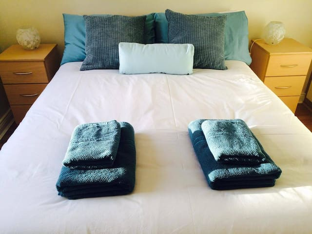Bianca House Dublin, Private Spacious Double Room - Clontarf