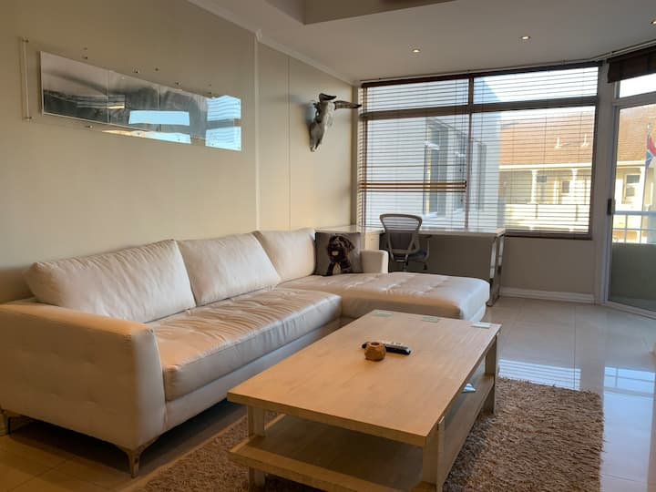 2 Bed/2 Bath with Excellent location in Sea Point