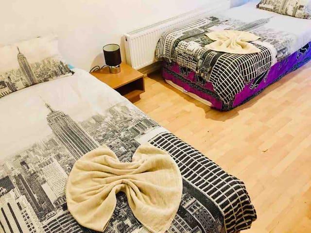 Warm Double Bedrooms in Stepney Green