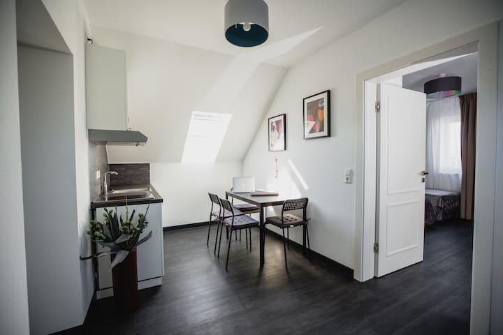 Apartment Einzel- Doppelzimmer | Nahe Messe