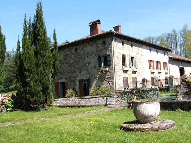 maison ancienne pleine nature ct rivire holiday homes for rent in chronnac nouvelle aquitaine france