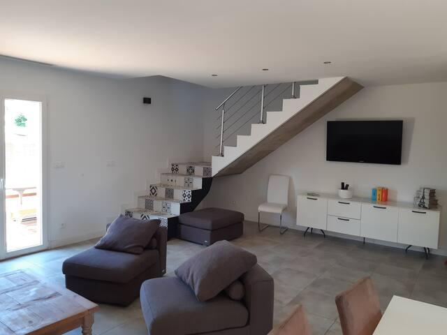 La Cigale- villa idéal 2 familles (8-10 pers )