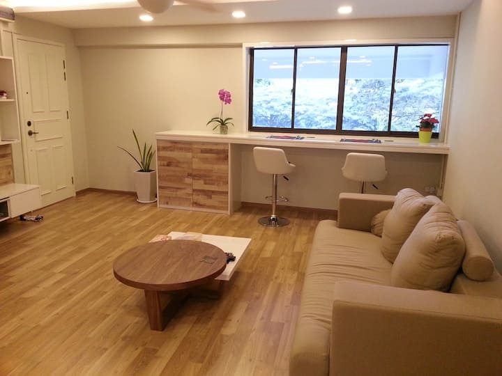 Private room at fringe of city centre (Balestier)