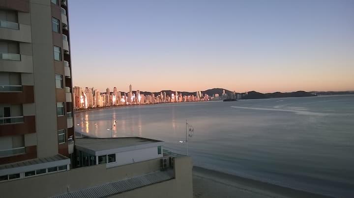 Balneário Camboriú - Frente ao mar - Dupla garagem