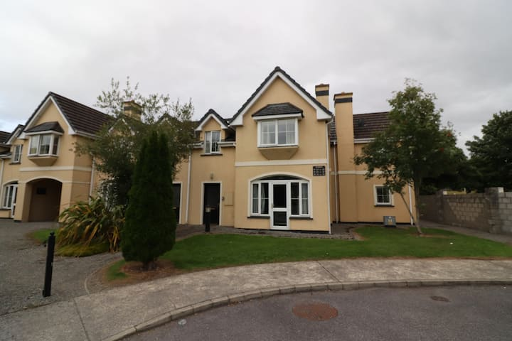 Holiday home between Killarney & the National Park