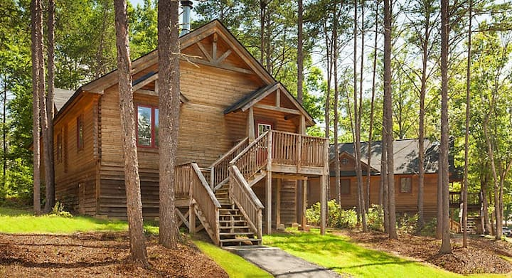 3BR Cabin @ RESORT Izac Lake Pools Clubhouse Golf