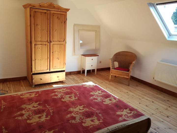 Beautiful room close to metro station in Auderghem
