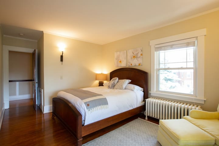 Bedroom 2's queen bed (like all the beds) is triple-sheeted with quality linens and down comforter.