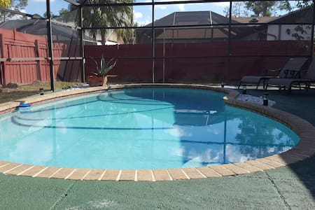 Family-Friendly Pool House 3/2 @ Wellington - Wellington - Huis