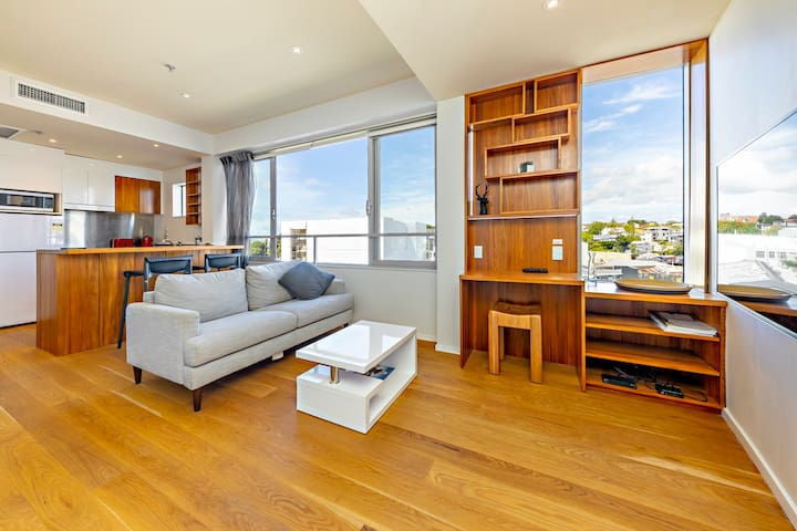 Stylish Parnell Apartment, City Fringe