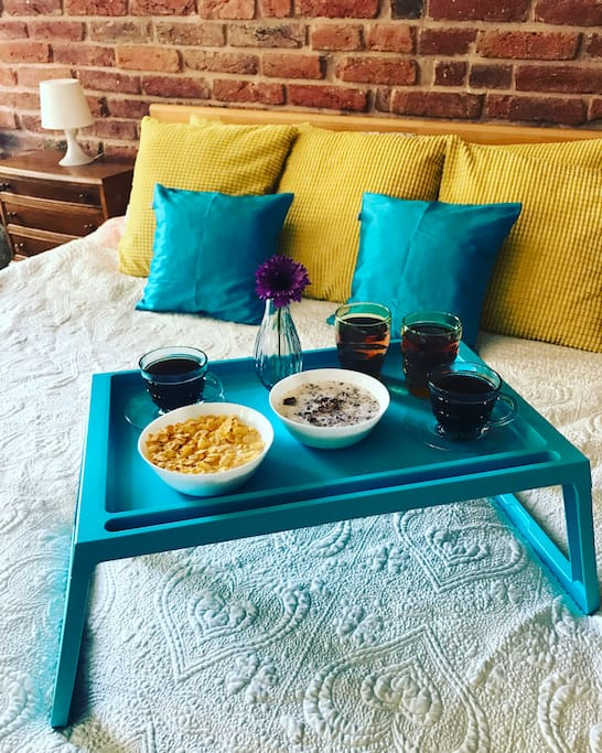 Do you like breakfest in the bed ?