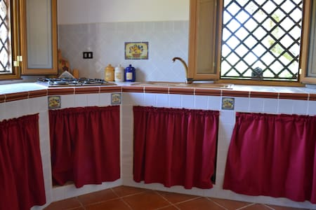 Villa Romano, relax tra gli ulivi. - Termini Imerese