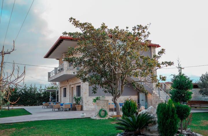 Garden House Afytos
