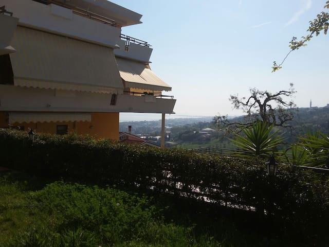 Splendida porzione di villa con vista mare - Montesilvano Colle - Apartment