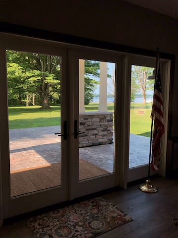 Cozy Pymatuning Lakefront with Dock
