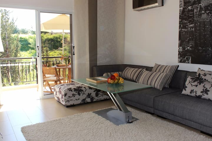 Emba Prestige Apartment - Emba - Flat