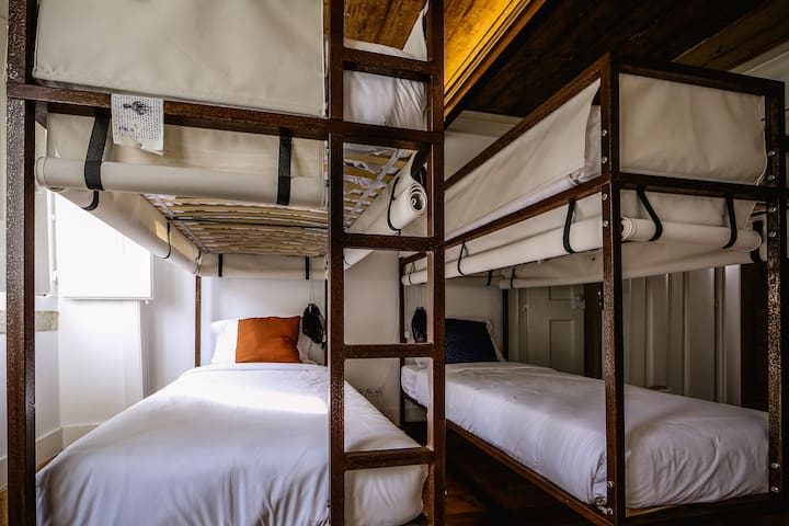 De Pedra e Sal bunk beds in the downtown
