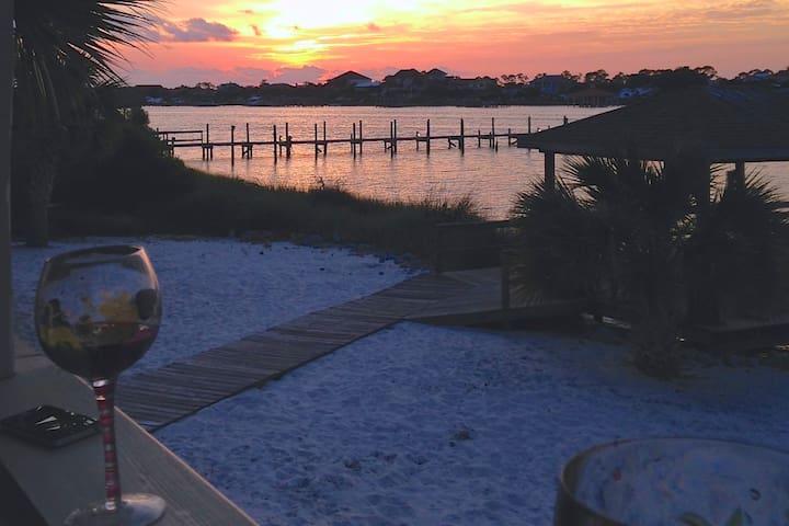 Sunset View Waterfront Beach Villa