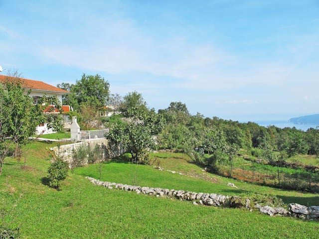 Holiday home Silvija, with amazing sea views, garden area to relax, bbq