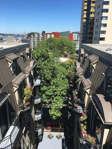Loft Nouveau in the heart of Seattle
