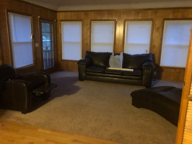 The Meadow Eagle-Private rm. 1-Min to Shaw AFB