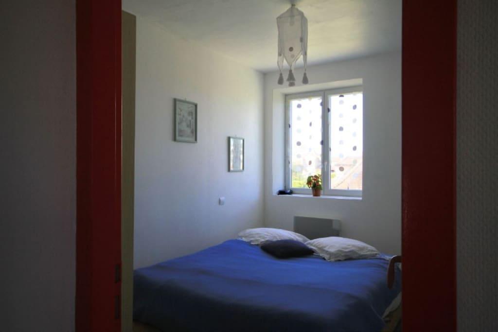chambre lit 1.60