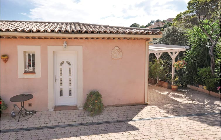 Holiday apartment with 1 bedroom on 23m² in Les Issambres
