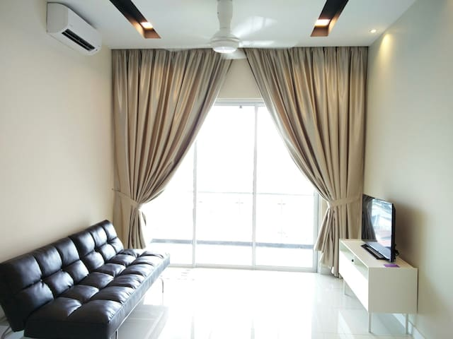 High above, cozy serviced apartment - Puchong - Condo