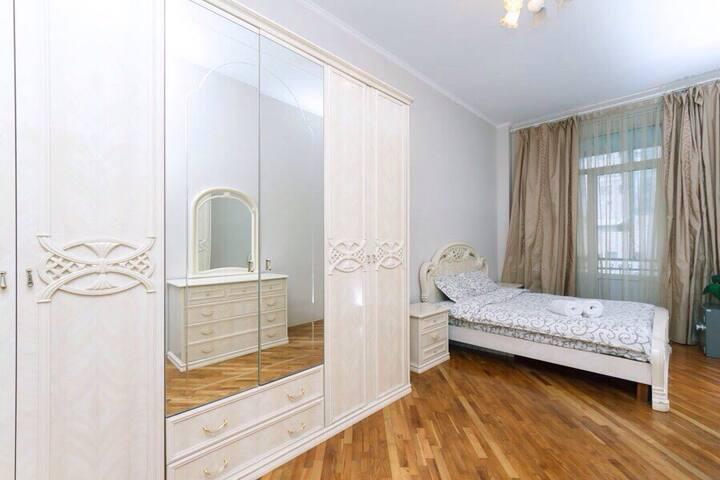 K319. Beautiful apartment in the center of Kiev - Kiev - Íbúð