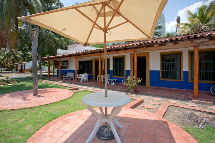 Beachfront house morros, best beach in Cartagena - La Boquilla - Hus