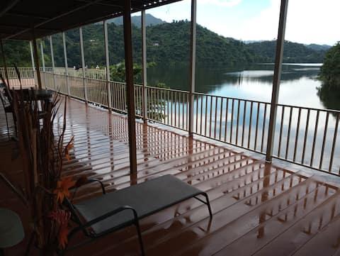 Lake View Retreat Apartment 2