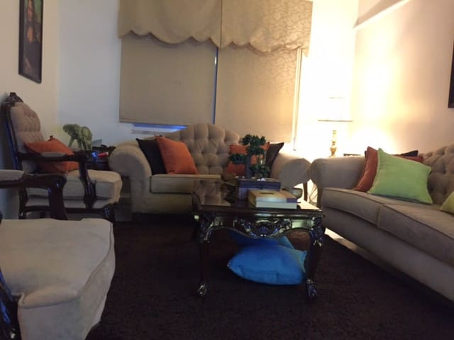 Private room double bed in a beautiful area Amman