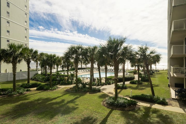 Work/school in a beachfront 3BR with a great view!