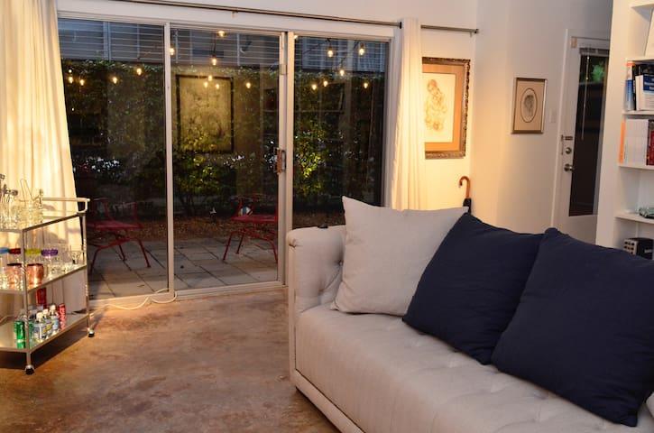 Entire Oaklawn Condo - Dallas - Condominium