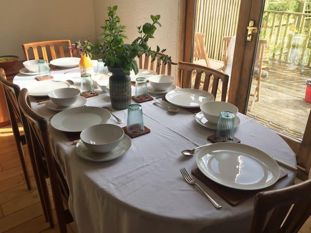 Exmoor sleeps 10, family and dog friendly retreat
