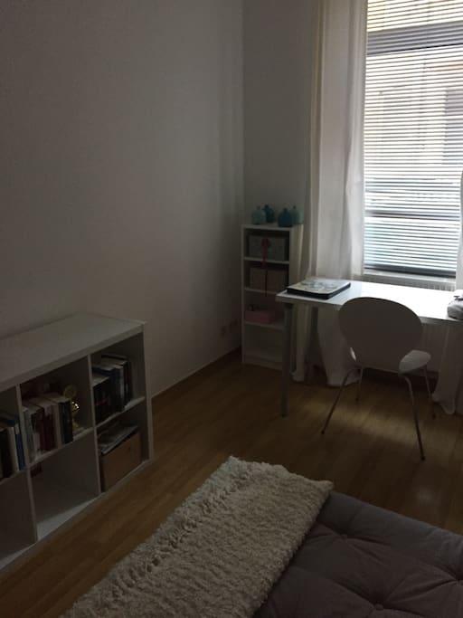 gem tliches zimmer in der oststadt appartamenti in affitto a hannover nds germania. Black Bedroom Furniture Sets. Home Design Ideas
