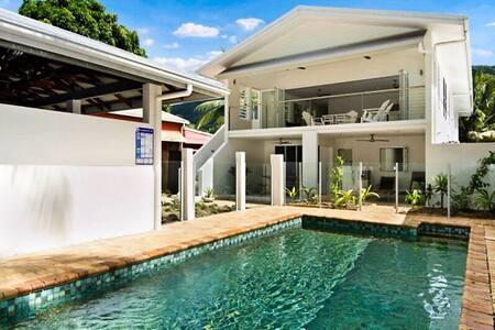 Beautiful POOL HOUSE Clifton Beach - Clifton Beach - Dom