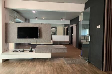 Luxury 1BR Apartment Puncak Bukit Golf, West sby