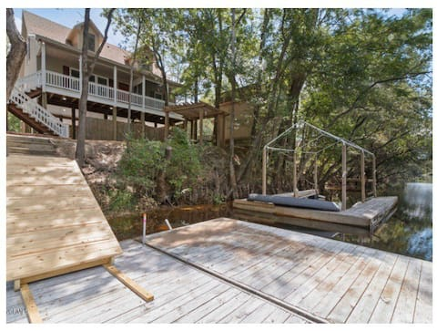 Secluded Riverfront Get-A-Way
