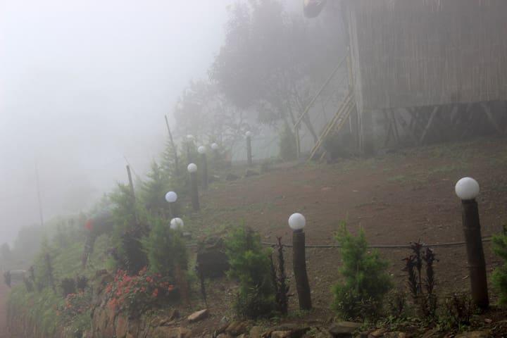 Bamboo hut in pothamedu view point - Munnar - Choza
