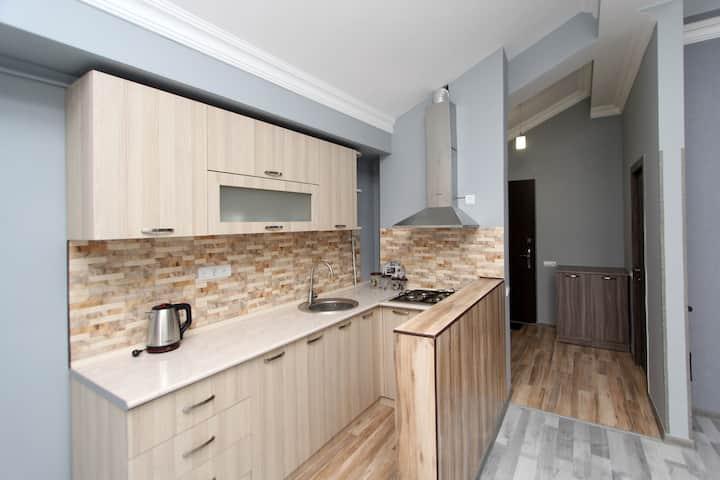 2-Bedroom Luxe Apartment