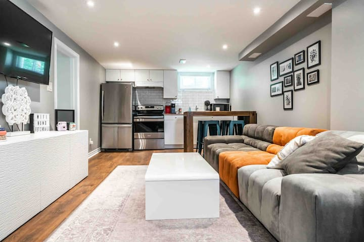 Modern CLEAN Apartment 5min dr to Falls-onCDN Side