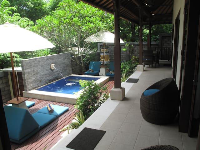 Kubu Sari - Nusa Lembongan, Bali