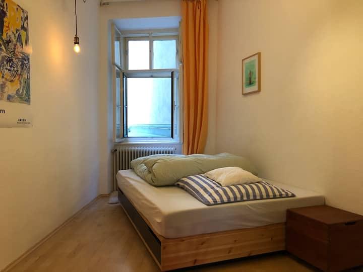 Gemütliches Zimmer, ruhig und super zentral