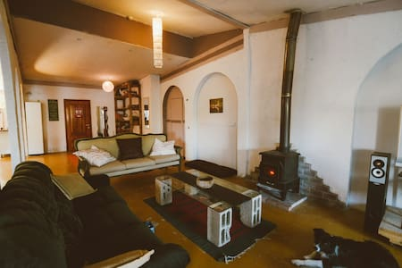 Huge cozy and rustic loft in nature - Bethlehem of Galilee - Çatı Katı
